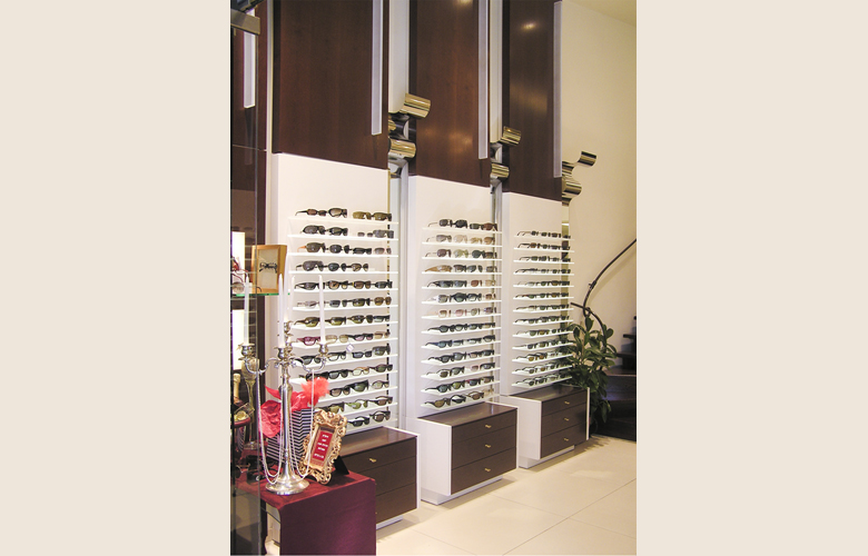 arredamento negozio ottica OPTICA GIL TEL AVIV